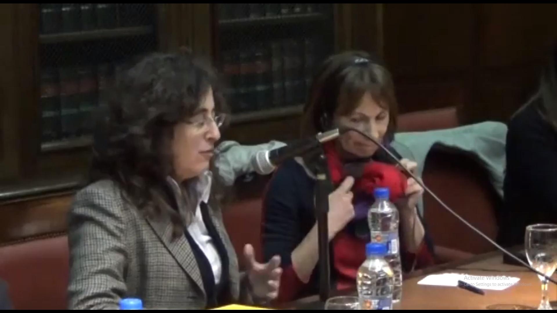 """Presentación del libro """"Contra el decoro y otros ensayos"""""""